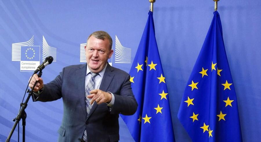 Statsminister Lars Løkke Rasmussen kalder EUs asylpolitik for »skrivebordsarbejde« og er godt tilfreds med, at den er på vej på historiens losseplads.