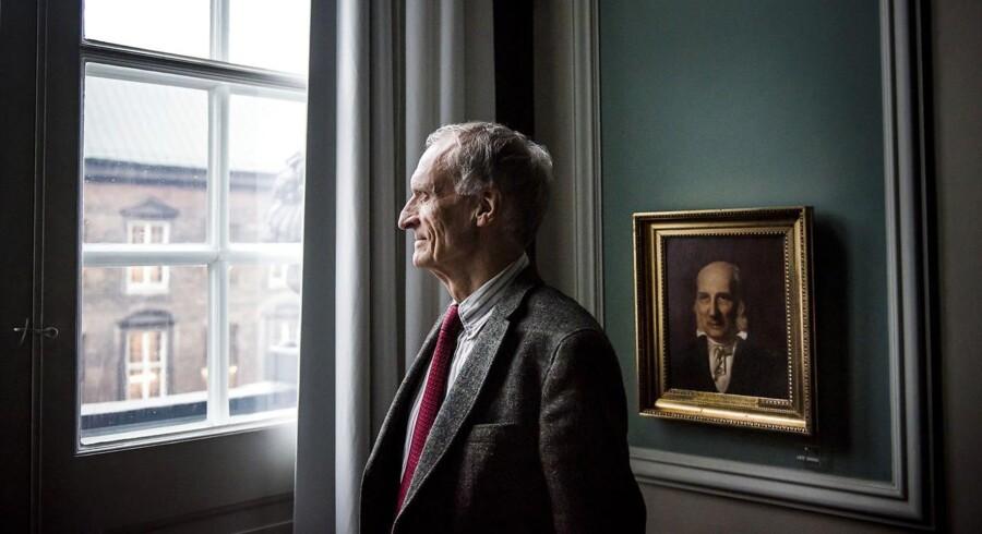 Bertel Haarder (V) fotograferet i Samtaleværelset på Christiansborg.