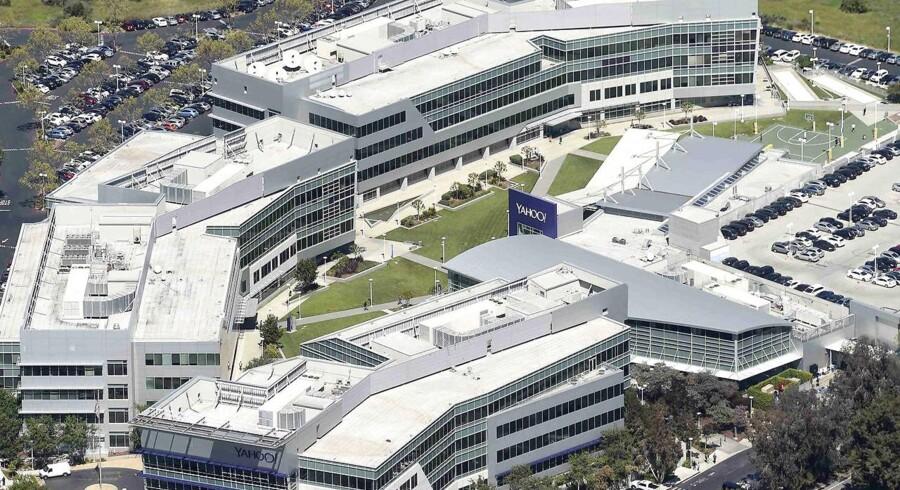 Internetgiganten Yahoo - her hovedkontoret - har scannet alle indkomne e-mails for hundreder af millioner af brugere for den amerikanske efterretningstjeneste NSA. Arkivfoto: Noah Berger, Reuters/Scanpix