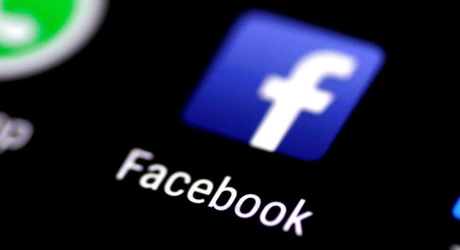Arkivfoto: Valgplakater, debatmøder og valgpjecer hitter fortsat. Men Facebook er mest populær blandt kandidaterne.