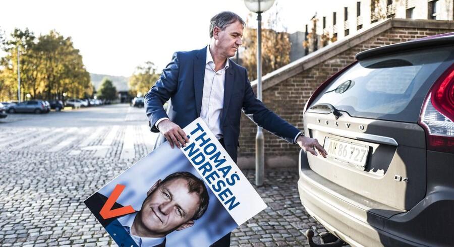 Aabenraa-borgmester (V) Thomas Andresen er grundlæggende imod skattestigninger, men har ikke i sinde at sænke kommuneskatten, hvis han bliver borgmester. »Jeg har det rigtig fint med, hvor skatten er nu,« siger han.
