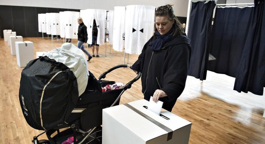 Flere kvinder end mænd satte deres kryds ved valget i 2015 - og forskellen på de to køns krydser vokser.