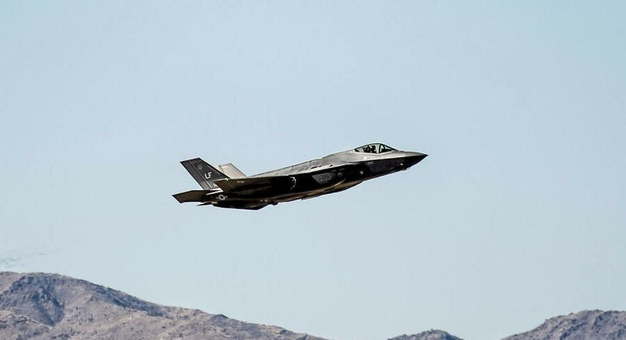Et F-35 kampfly over en amerikansk base i Arizona. Arkivfoto.