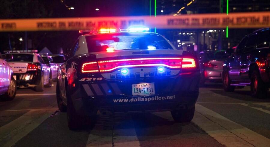Arkivfoto: Præcis klokken 23.40 gik samtlige af Dallas 156 sirener i gang, og gjaldede i byens gader i flere timer.