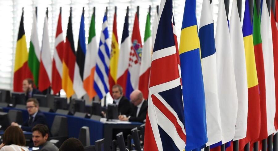 EU-Kommissionen vil derfor blandt andet kræve en »klar spilleplan« fra Facebook og andre sociale medier, der redegør for, hvordan de vil agere fremover under følsomme valgperioder – herunder det kommende Europaparlamentsvalg.