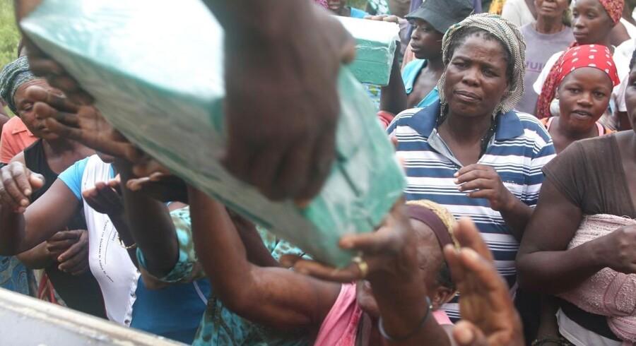 Der er ikke nok telte, mad eller medicin til de berørte, lyder det i en appel om hjælp til Zimbabwe.