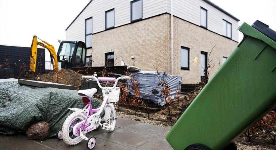 Priserne stiger mest på nye huse og gamle lejligheder, viser tal fra Boligøkonomisk Videncenter.