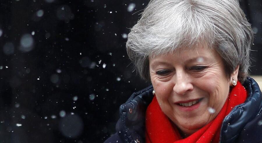 Hun kan umuligt gøre alle tilfredse, siger lektor om Storbritanniens premierminister Theresa Mays brexitstrategi. Reuters/Peter Nicholls