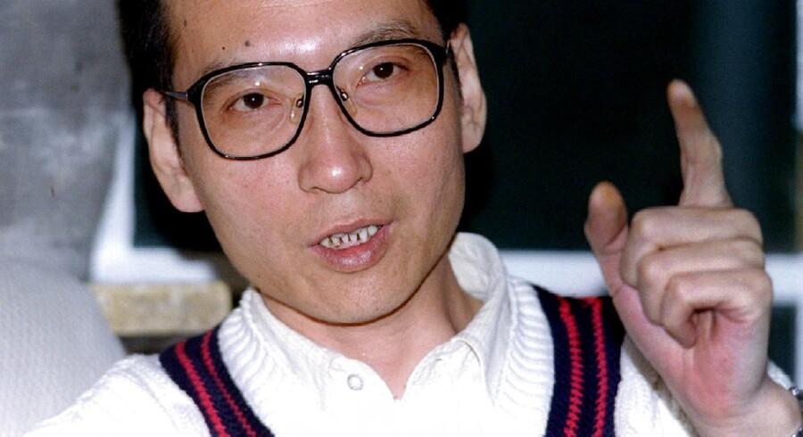 Den kinesiske systemkritiker Liu Xiaobo er død af kræft. Han modtog Nobels fredspris for sit arbejde i Kina.
