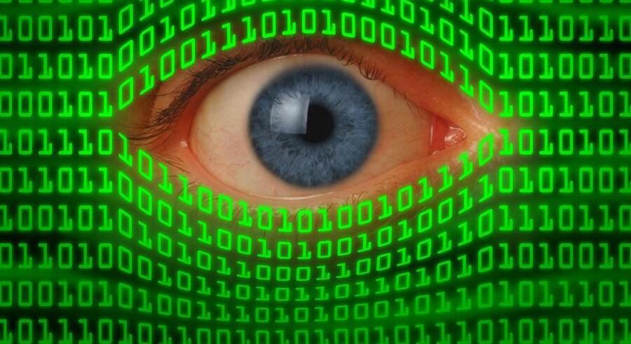 Venstre-regeringen vil fortsat give politiet og efterretningstjenester flere data om, hvordan danskerne bruger deres internetforbindelser. Et nyt lovforslag vil være klar til januar. Arkivfoto: Iris/Scanpix