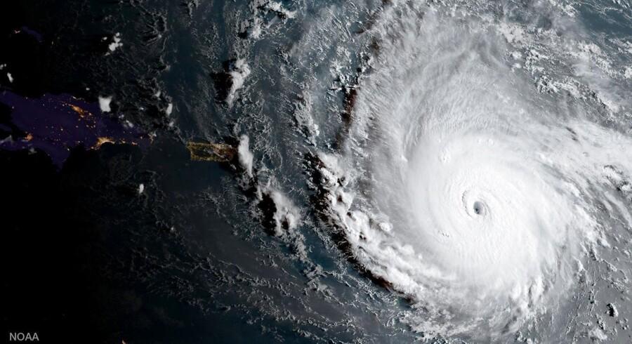 Fire dages orkan-mareridt i Caribien En af de hidtil kraftigste atlanterhavsorkaner rammer land. I de næste dage trækker den med ødelæggende kraft igennem Caribien og ventes på lørdag til Florida.