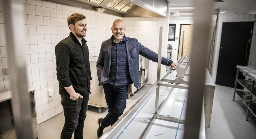 Michelin-restauranten Kadeau, der netop har sikret to Michelin-stjerner til sin restaurant i Wildersgade, skal fremover drive restaurant på Brøchner Hotels luksushotel Hotel Herman K, der åbner til juni. Portræt af hoteldirektør Karim Nielsen (th) og restauratør Nicolai Nørregaard (tv).