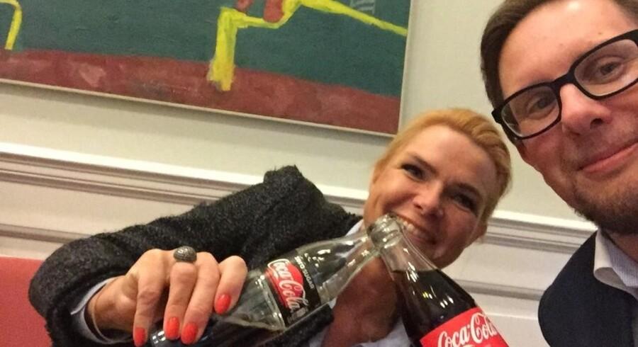 Hvordan klarer man sig igennem en af de længste dage i dansk politik? Simon Emil Ammitzbøll og Inger Støjberg havde et bud på svaret sent torsdag aften.
