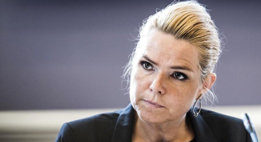 Udlændinge- og integrationsminister Inger Støjberg møder uvant hård kritik fra egne rækker for tiden.