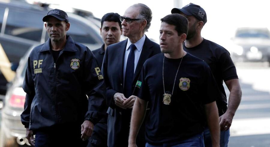Dagen efter Carlos Nuzman blev arresteret i en bestikkelsessag, er han blevet midlertidigt suspenderet fra alle sine rettigheder og funktioner som medlem i Den Internationale Olympiske Komité (IOC).