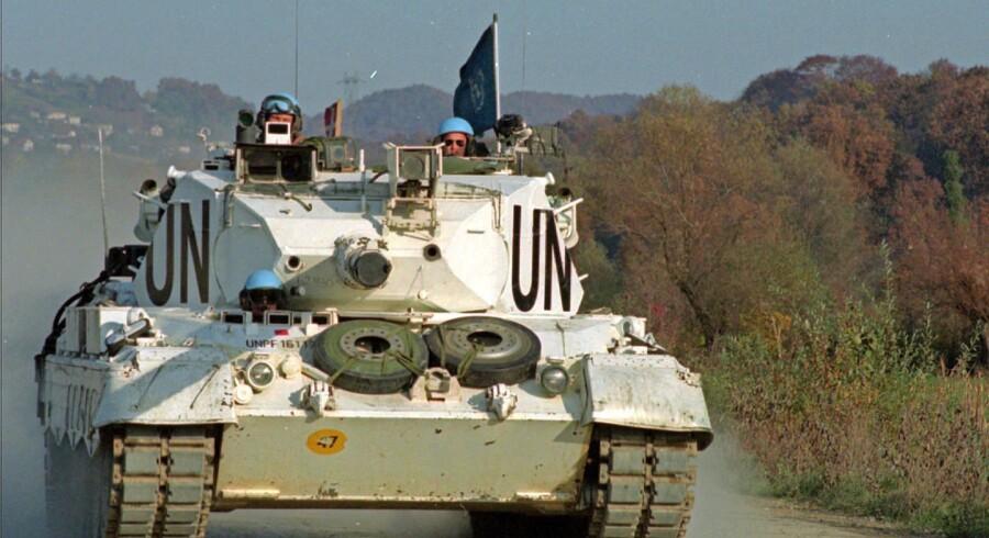 FN-styrker i 1990erne i Bosnien-Hercegovina. En af de danske kampvogne på vej ud på patrulje. Arkivfoto: Morten Juhl/Scanpix