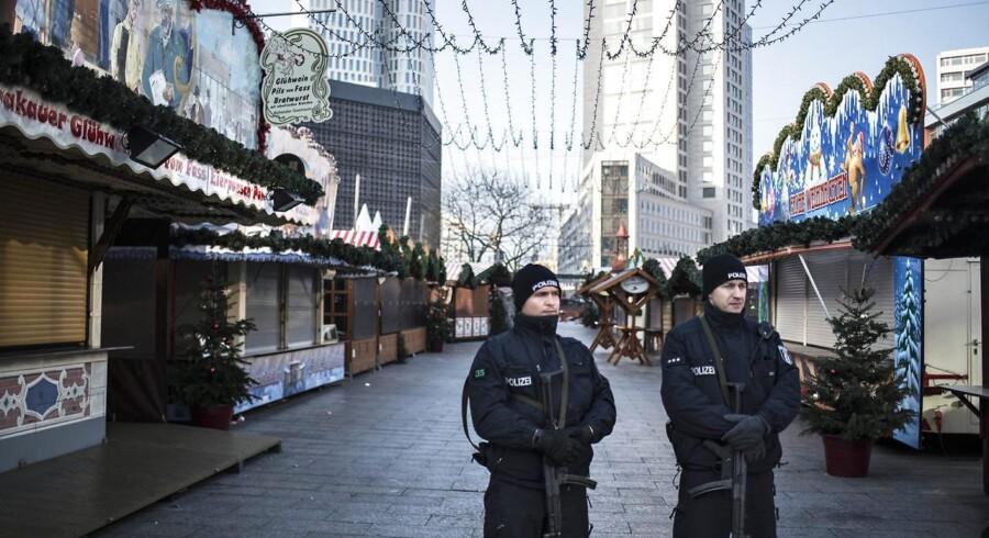 Arkivfoto: Tysk politi har tirsdag anholdt seks syrere, som mistænkes for at have planer om et angreb for jihadistgruppen Islamisk Stat, rapporterer flere medier, som mener, at målet var et af de tyske julemarkeder.