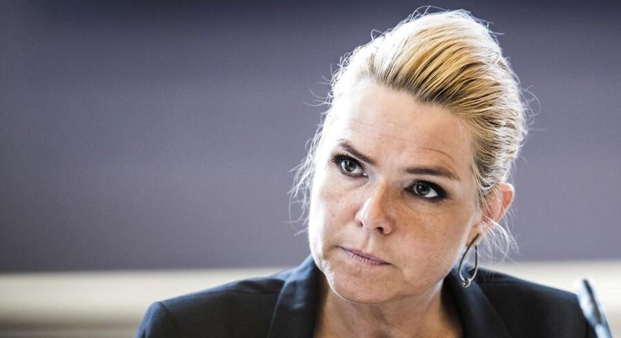 Integrationsminister Inger Støjberg (V) viste denne uge, at baggrundsskærmen på hendes iPad er Kurt Westergaards tegning af Muhammed med bombe i turbanen. Det genstartede debatten.