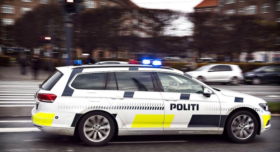 Politiet er lørdag eftermiddag rykket ud til Vesterbro Torv i København, hvor der har været stort slagsmål. - Foto: Scanpix/Nils Meilvang/arkiv
