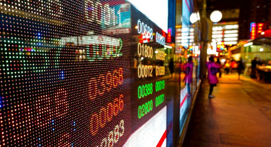 Det brede MSCI-aktieindeks for Asien-Stillehavsregionen uden for Japan stiger, mens de japanske aktier falder.
