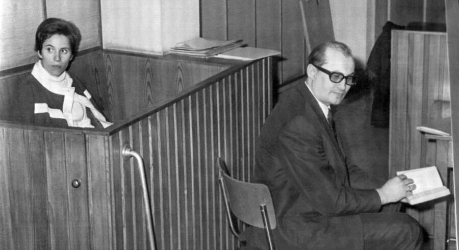 I 1968 forsvarede Horst Mahler nazi-jægeren Beate, efter at hun havde slået kansler Kurt Georg Kiesinger. Mahler har gennem årene bevæget sig fra venstreradikal ekstremist til nynazist og jages i dag af tysk politi.