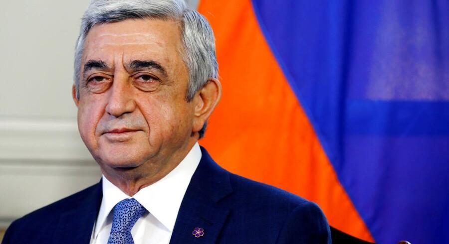 I over to uger har der været voldsomme protester i Armenien, hvilket mandag fik den nytiltrådte premierminister og tidligere præsident, Serzh Sargsyan, til at trække sig fra posten.