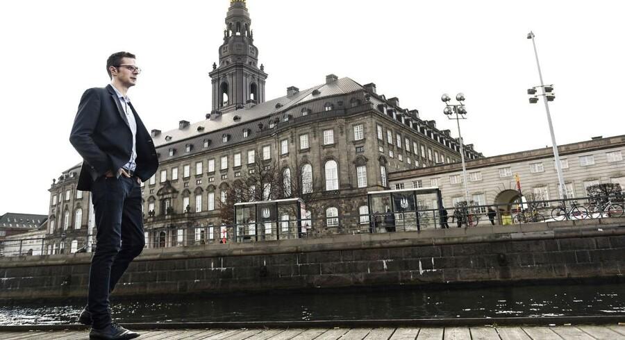 »Vi vil undersøge, hvor vi kan skære i støtten til forskellige aktiviteter, og hvad der kan overleve uden støtte. Og hvad der er så småtteriagtigt, at det selvfølgelig ikke er noget, som Københavns Kommune skal tage sig af,« siger Alex Vanopslagh.