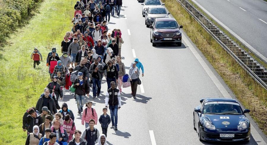 Flygtninge på dansk mortorvej september 2015. Arkivfoto: Scanpix