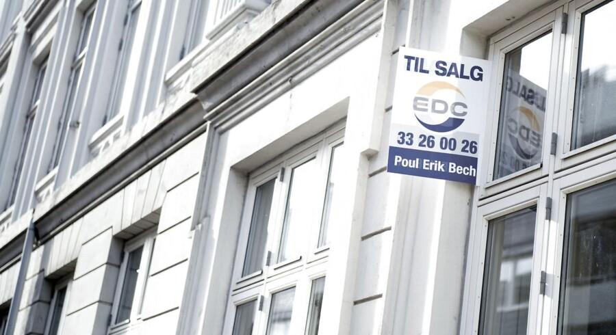 Bybilledet i København begynder i stigende grad at blive præget af »Til salg«-skilte i takt med, at udbuddet af ejerlejligheder til salg på det københavnske boligmarked øges kraftigt.