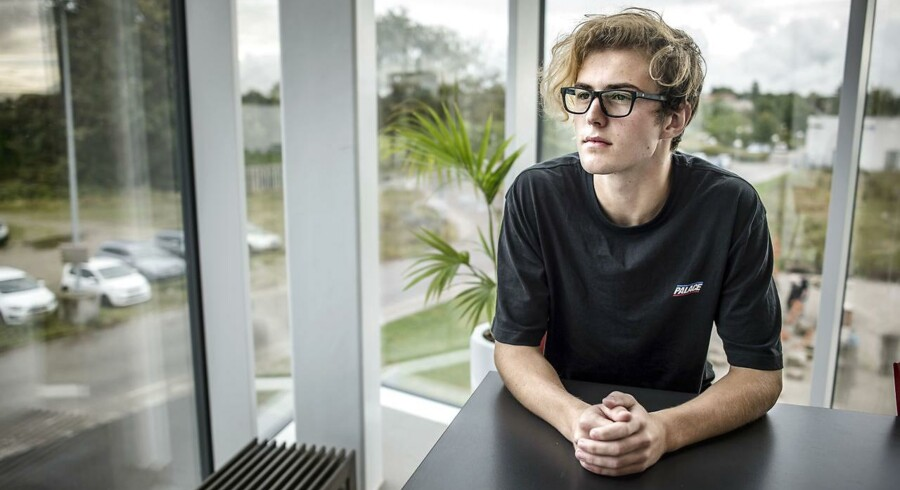 Mikkel Ingegaard Jeppesen fra Roskilde Tekniske Skole har kun 10 og 12-taller på sit 10.klasses eksamensbevis fra efterskolen.