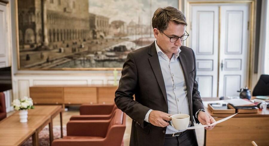 """Arkivfoto. Danske Bank har ifølge erhvervs- og vækstminister Brian Mikkelsen (K) """"groft forsømt sit ledelsesansvar"""" i sag om hvidvask af penge."""