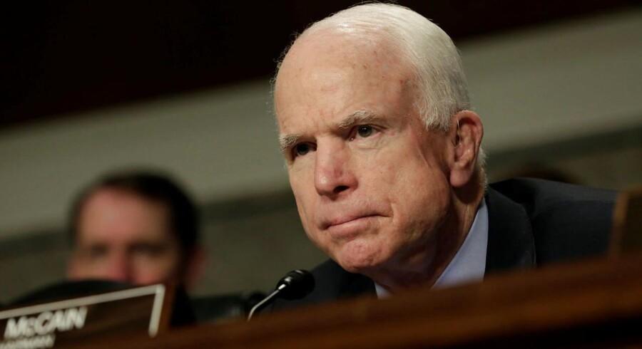 Den amerikanske senator John McCain ser Rusland som end større trussel end Islamisk Stat.