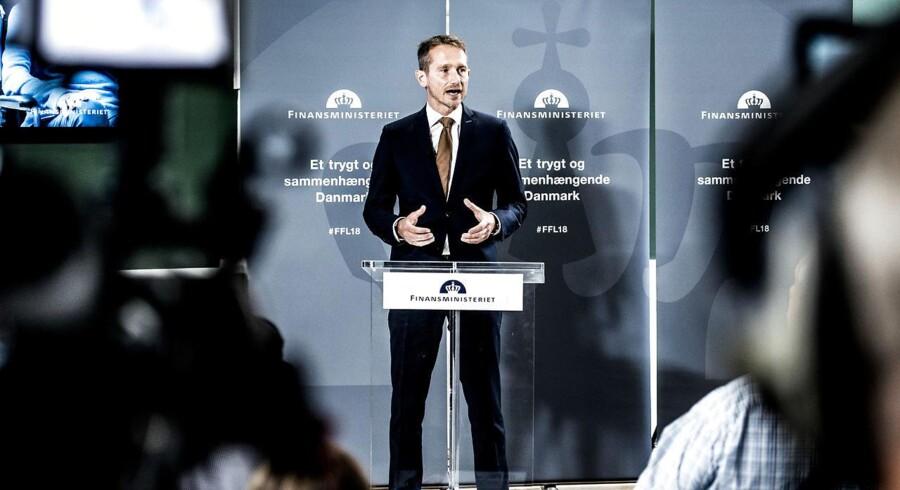 Finansminister Kristian Jensen præsenterer onsdag en ny aftale med Dansk Folkeparti om at sløjfe det udskældte produktivitetskrav på to procent i sundhedsvæsenet.
