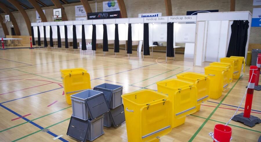 Valglokalet er klar inden åbningen ved kommunal- og regionrådsvalget 2017 i Rønde på Syddjurs tirsdag den 21. november 2017. (Foto: Jens Thaysen/Scanpix 2017)