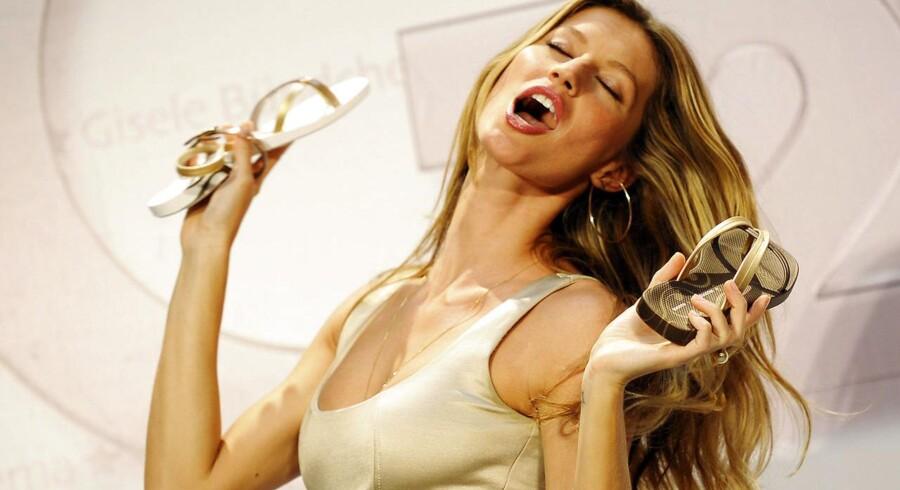 Den brasilianske supermodel Gisele Bundchen har udvist flair for at skabe opmærksomhed omkring de klipklapperne, som hun selv har designet for skoproducenten Grendene. Sidste år solgte virksomheden 25 millioner par af Gisele Bundchens sko.