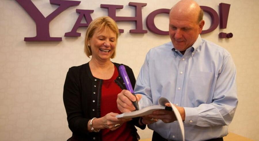 Microsofts Steve Ballmer og Yahoos-chef Carol Bartz, underskrev tidligere på året en ti-årig aftale om partnerskab.