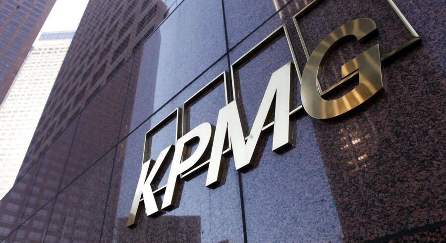 Konsulenthuset KPMG kritiserer skatteministerens udmelding om, at en række danske banker risikerer at blive meldt til politiet for sager om refusion af udbytteskat.