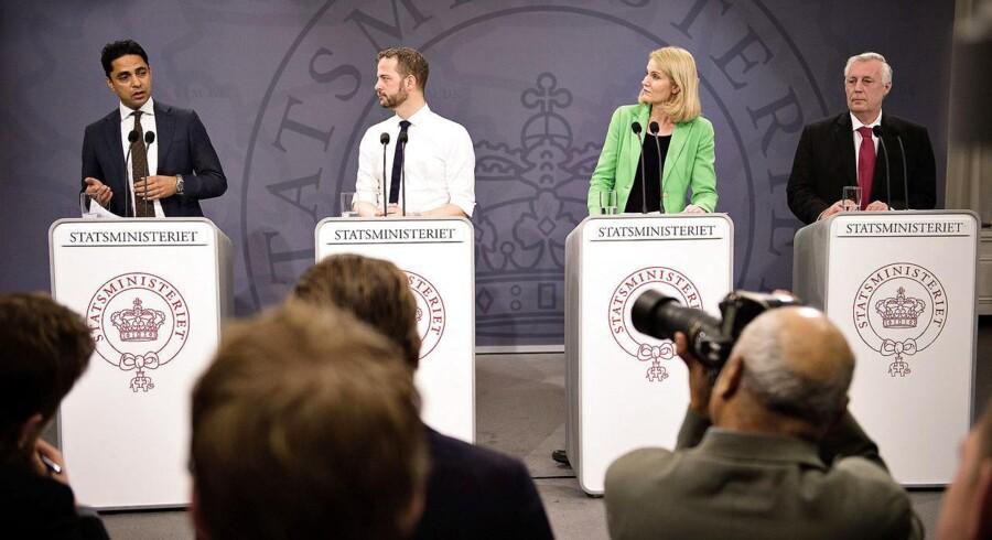 Selvom de borgerlige partier kritiserer regeringens integrationsforslag, så ender de formodentlig med at stemme for, vurderer Jesper Termansen, politisk redaktør på Radio24syv. Her ses de fire topministre, da de præsenterede integrationsudspillet.