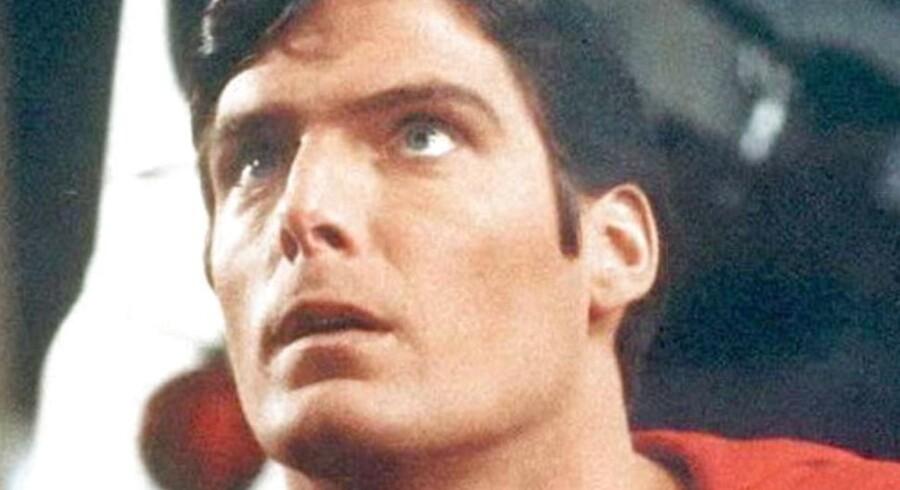 Clark Kent kan stadig nå at skifte til sit Superman-kostume i en ruf, hvis han skulle lægge vejen forbi Danmark, og i New York, USA, har man besluttet sig for at satse på telefonboksen igen.