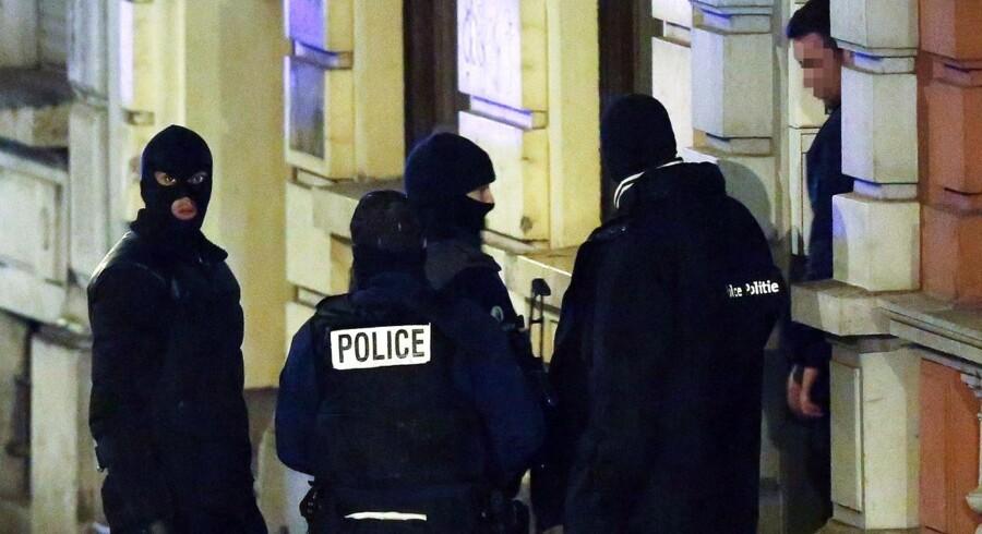 Belgisk politi ved en bygning i Verviers 15. januar.