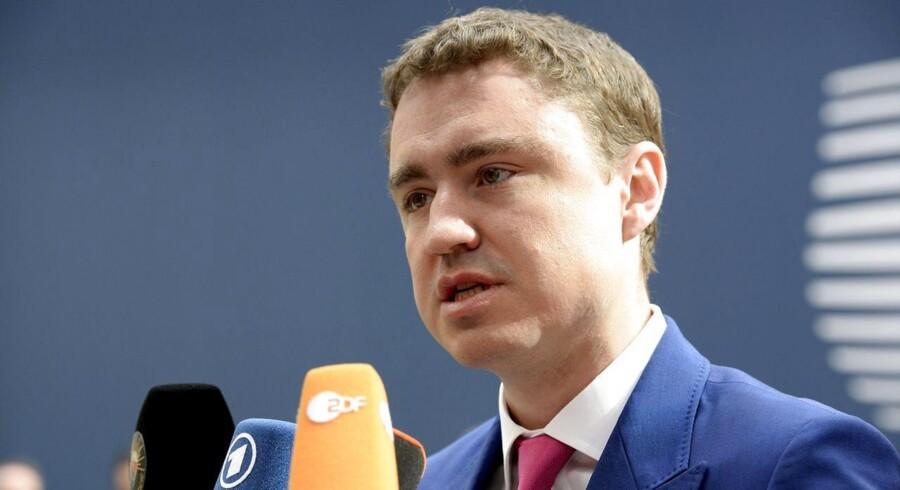 »7.000 mennesker bosætter sig i Estland hvert år, hvoraf 3.000 kommer fra lande uden for EU. Mange af dem behøver hjælp til at få et arbejde. Et par hundrede ekstra bør ikke give anledning til racistiske demonstrationer i vort samfund,« siger Estlands premierminister, Taavi Roivas.