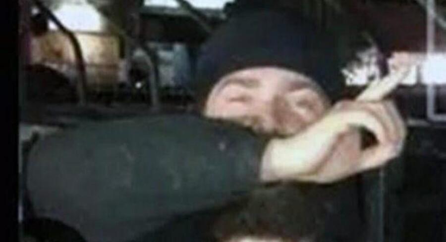 26. juli lagde den 25-årige dansker Mohammad billeder af sig selv med skamferede lig og afhuggede hoveder ud på Facebook. Han rejste ifølge sin familie til Syrien i september sidste år for at kæmpe for IS. Billedet er et udsnit og taget fra Facebook.