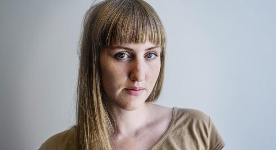 Siden Sofie Dahlstedt blev færdiguddannet journalist i Sverige i 2013, har hun kun haft løsarbejde. Daglejerjob er de senere år blevet mere og mere almindeligt både blandt ufaglærte og højtuddannede på den anden side af Øresund, og nu er udviklingen også kommet til Danmark.
