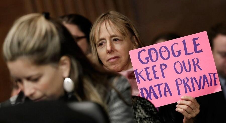 Privatliv på internettet - eller manglen på samme - er for alvor kommet i fokus det seneste par år, hvor både privatlivsorganisationer, politikere og borgere begynder at stille spørgsmål til, hvordan data opbevares. EU arbejder fortsat på ensretning af reglerne for databeskyttelse i de europæiske lande.