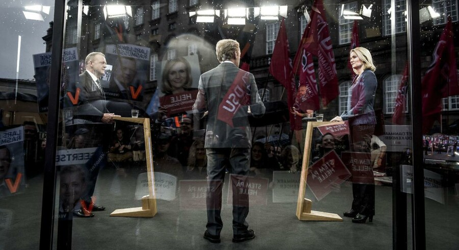 Billede fra sidste søndags tv-duel mellem Løkke og Thorning. Dengang på TV 2 med Poul Erik Skammelsen som vært.
