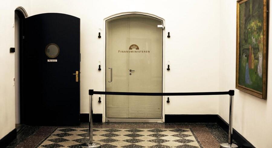 Glasdøren i Finansministeriet.