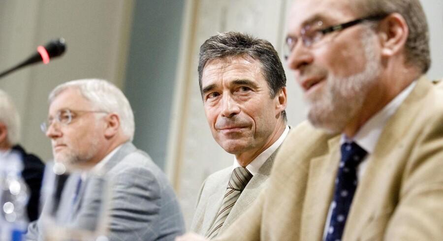 Den seneste store trepartsaftale blev indgået i 2007, dengang Anders Fogh Rasmussen var statsminister. Her holder han pressemøde i Statsministeriet om netop trepartsforhandlingerne.