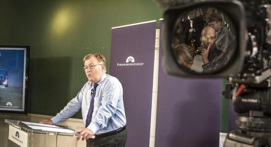 Finansminister Claus Hjort Frederiksen præsenterer regeringen finanslovsforslaget for 2016 i finansministeriet.
