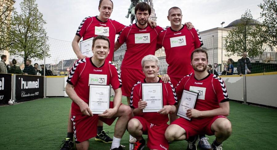 Selvom rød blok stadig ikke kan samle et flertal i meningsmålingerne, er de samlet set trods alt gået frem. Her ses det røde hold ved Christiansborg Cup i maj 2013.