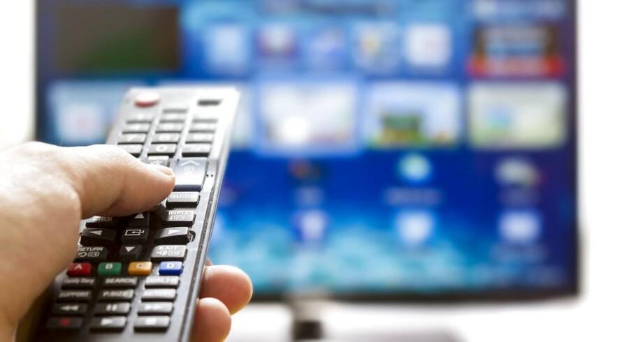 De to store kabel-TV-selskaber hæver priserne fra årsskiftet, så det bliver dyrere at se fjernsyn. Det vil få endnu flere til at skifte til mindre pakker, vurderes det. Arkivfoto: Iris/Scanpix